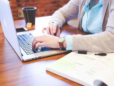 Zalety pracy przez internet na pisaniu e-booków